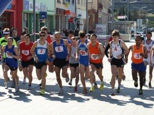 spoločný štart bežcov