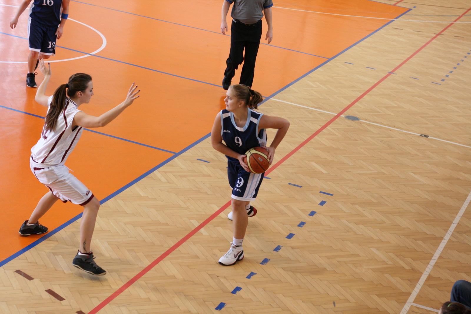 bk-zs-zvolen-bk-petrzalka-basketbal-juniorky-11