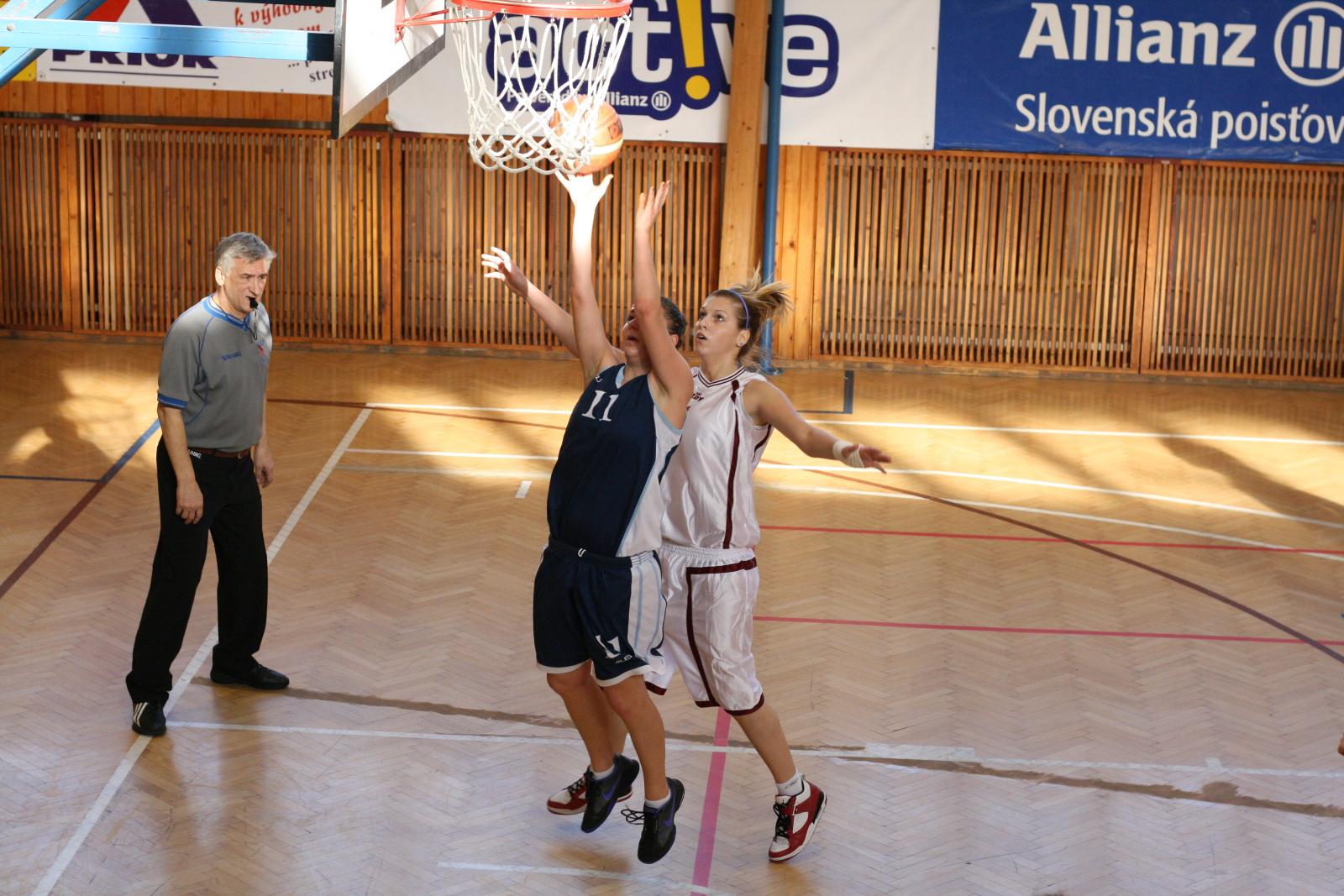 bk-zs-zvolen-bk-petrzalka-basketbal-juniorky-12
