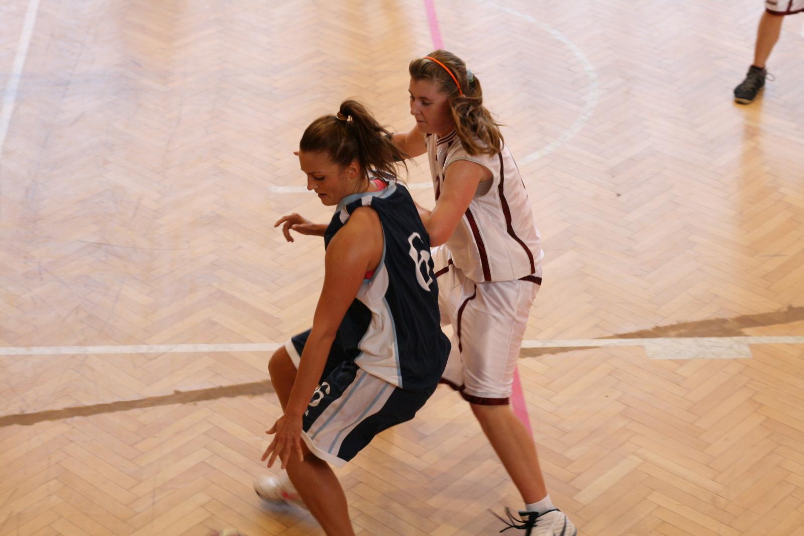 bk-zs-zvolen-bk-petrzalka-basketbal-juniorky-16