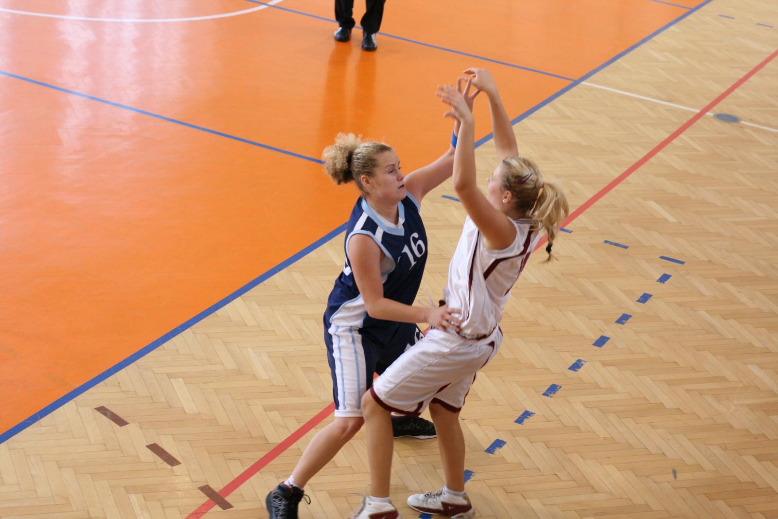 bk-zs-zvolen-bk-petrzalka-basketbal-juniorky-18