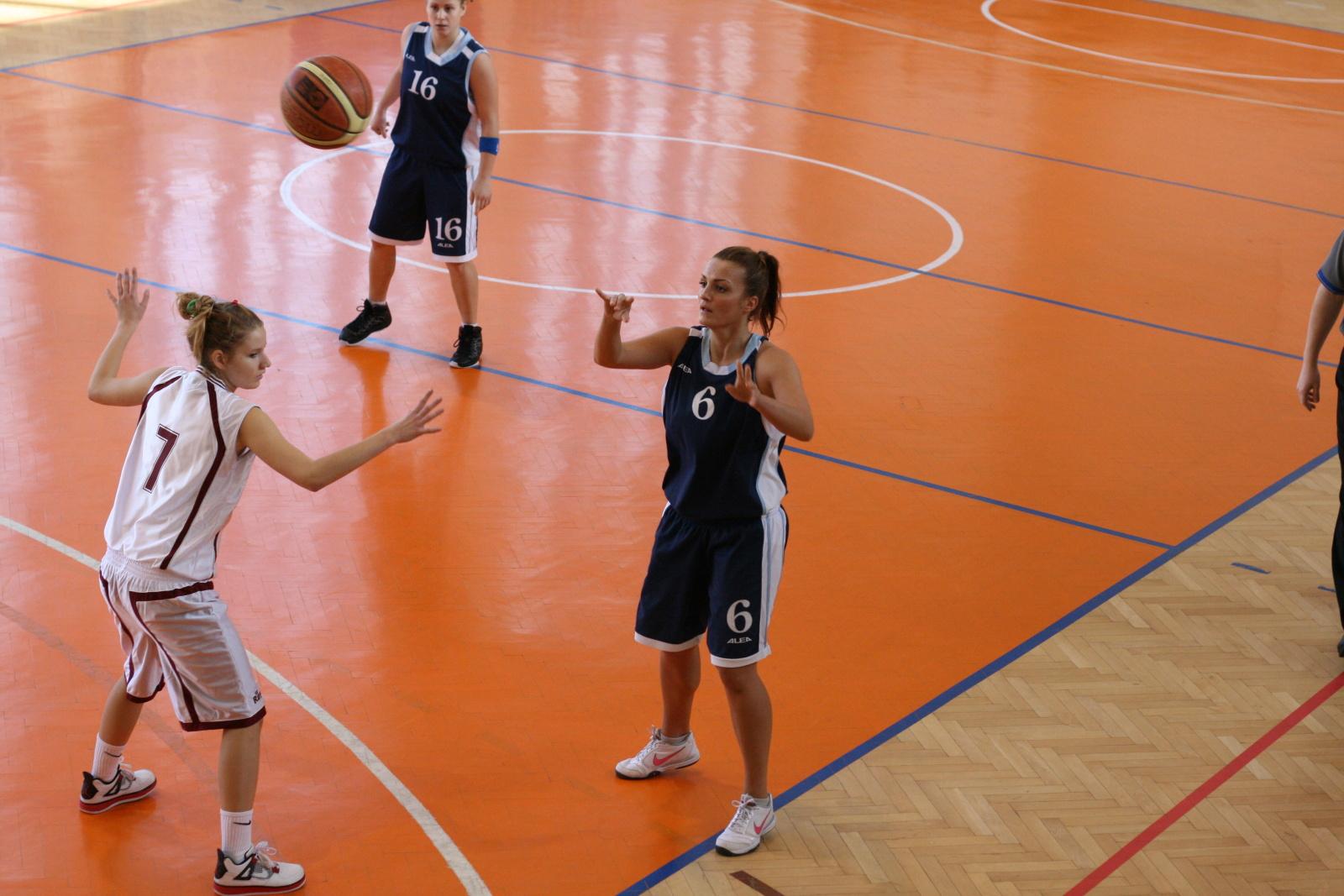 bk-zs-zvolen-bk-petrzalka-basketbal-juniorky-2