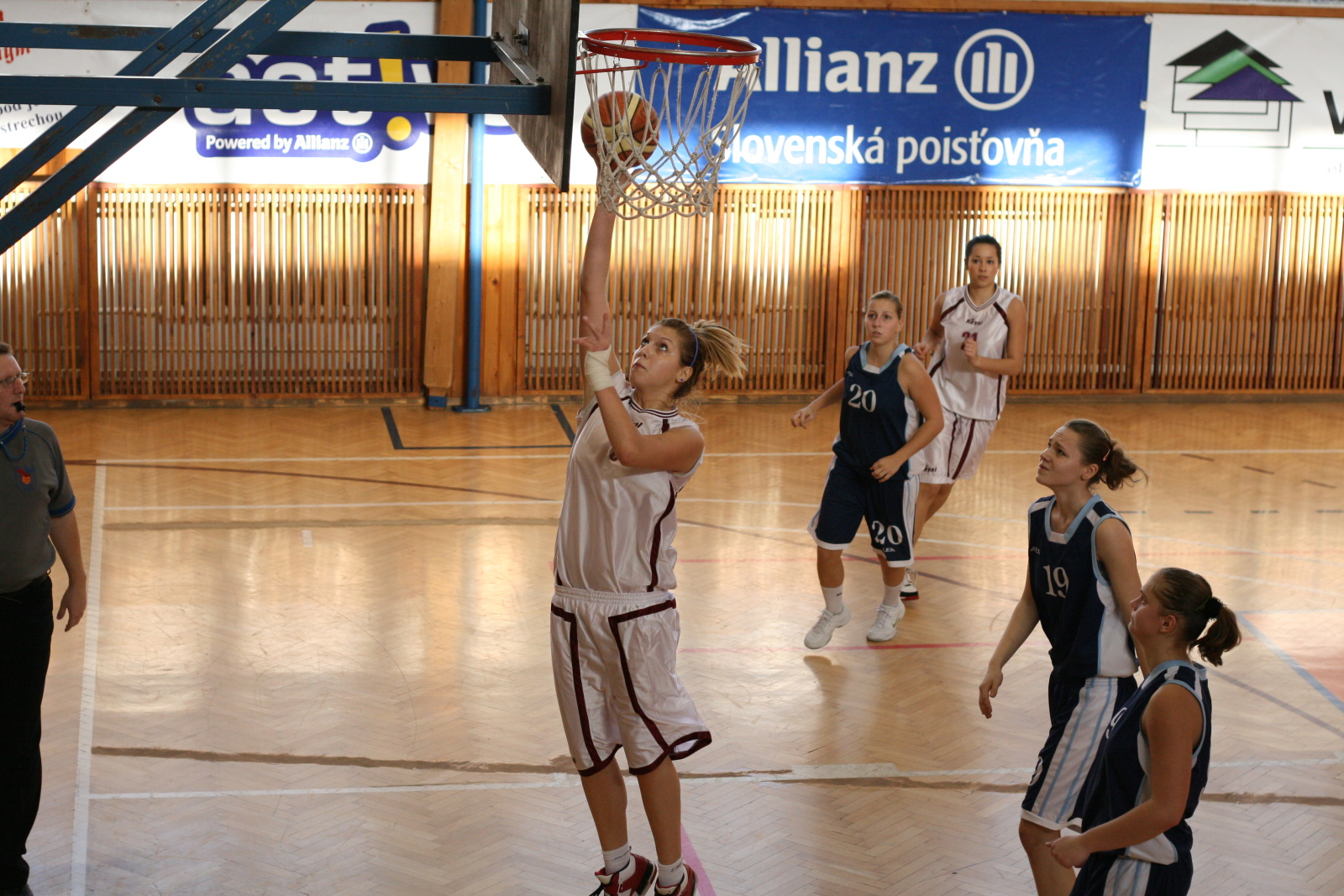 bk-zs-zvolen-bk-petrzalka-basketbal-juniorky-20