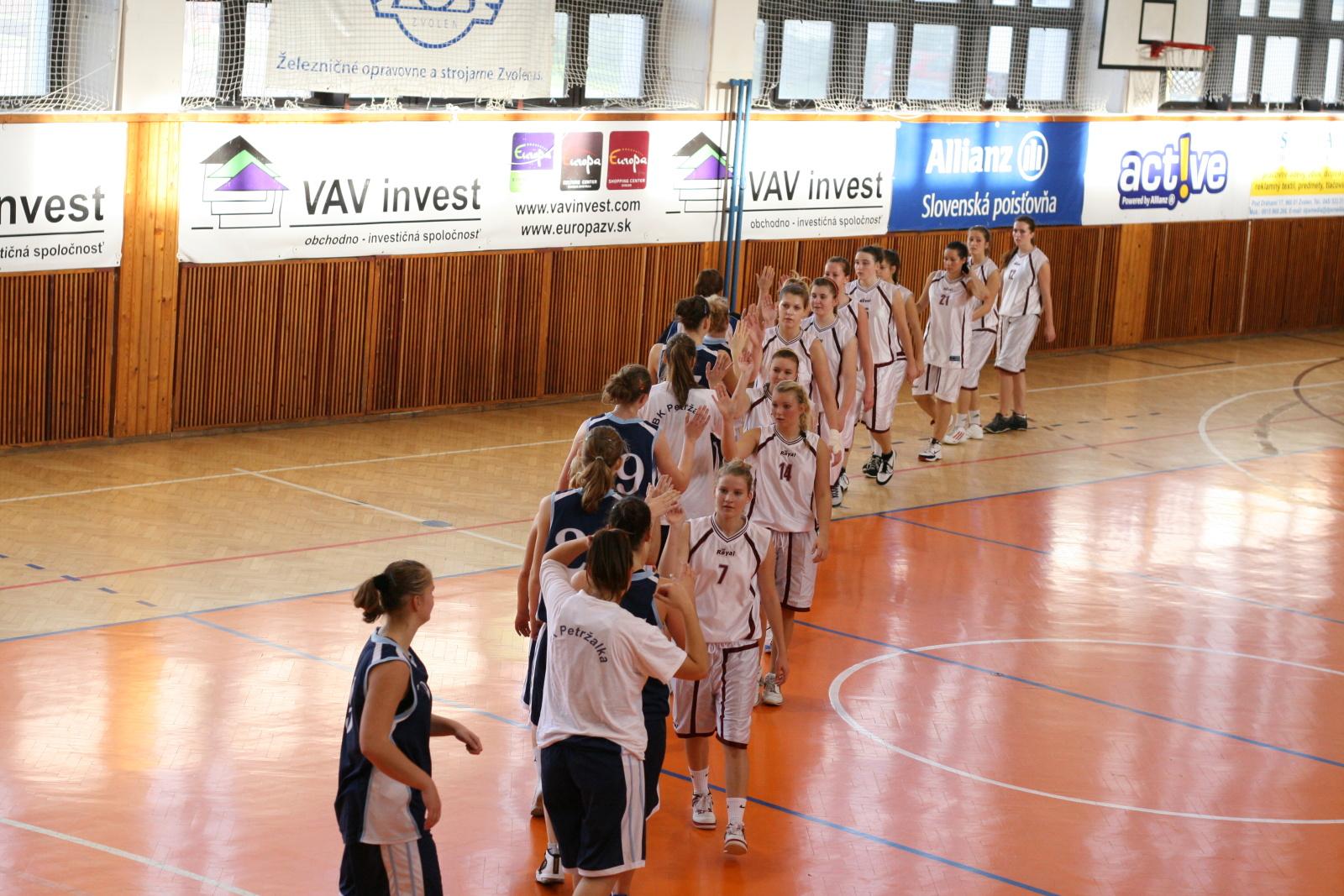 bk-zs-zvolen-bk-petrzalka-basketbal-juniorky-26