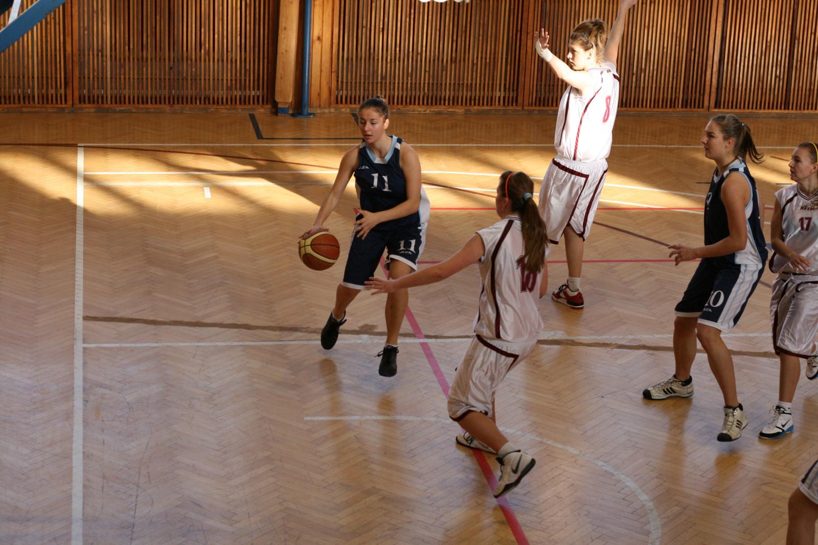 bk-zs-zvolen-bk-petrzalka-basketbal-juniorky-5