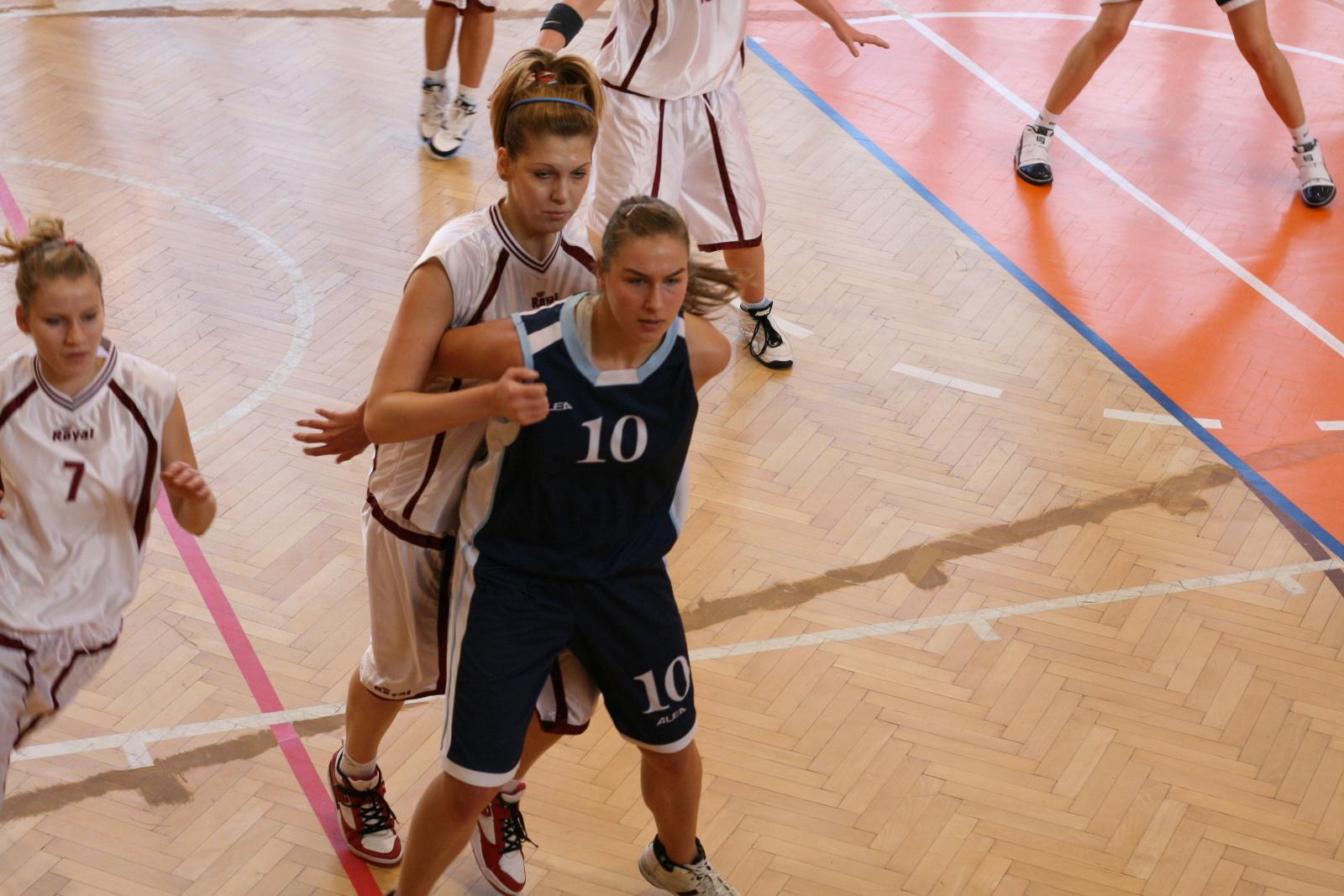 bk-zs-zvolen-bk-petrzalka-basketbal-juniorky-9