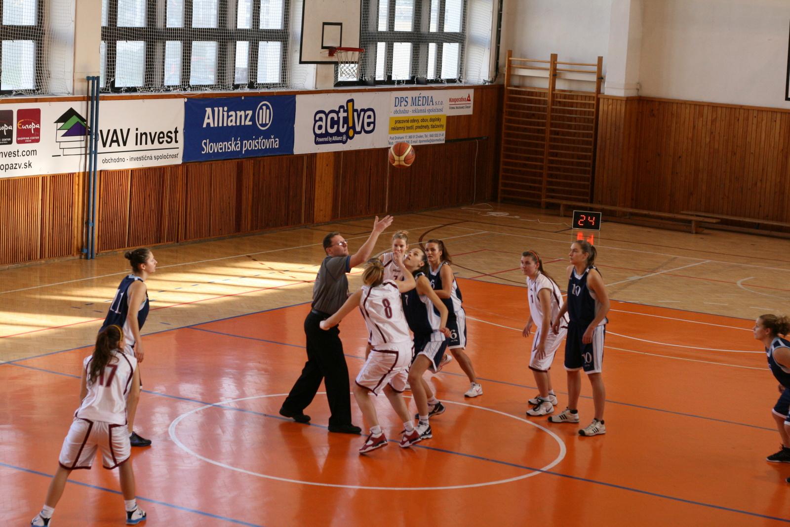 bk-zs-zvolen-bk-petrzalka-basketbal-juniorky
