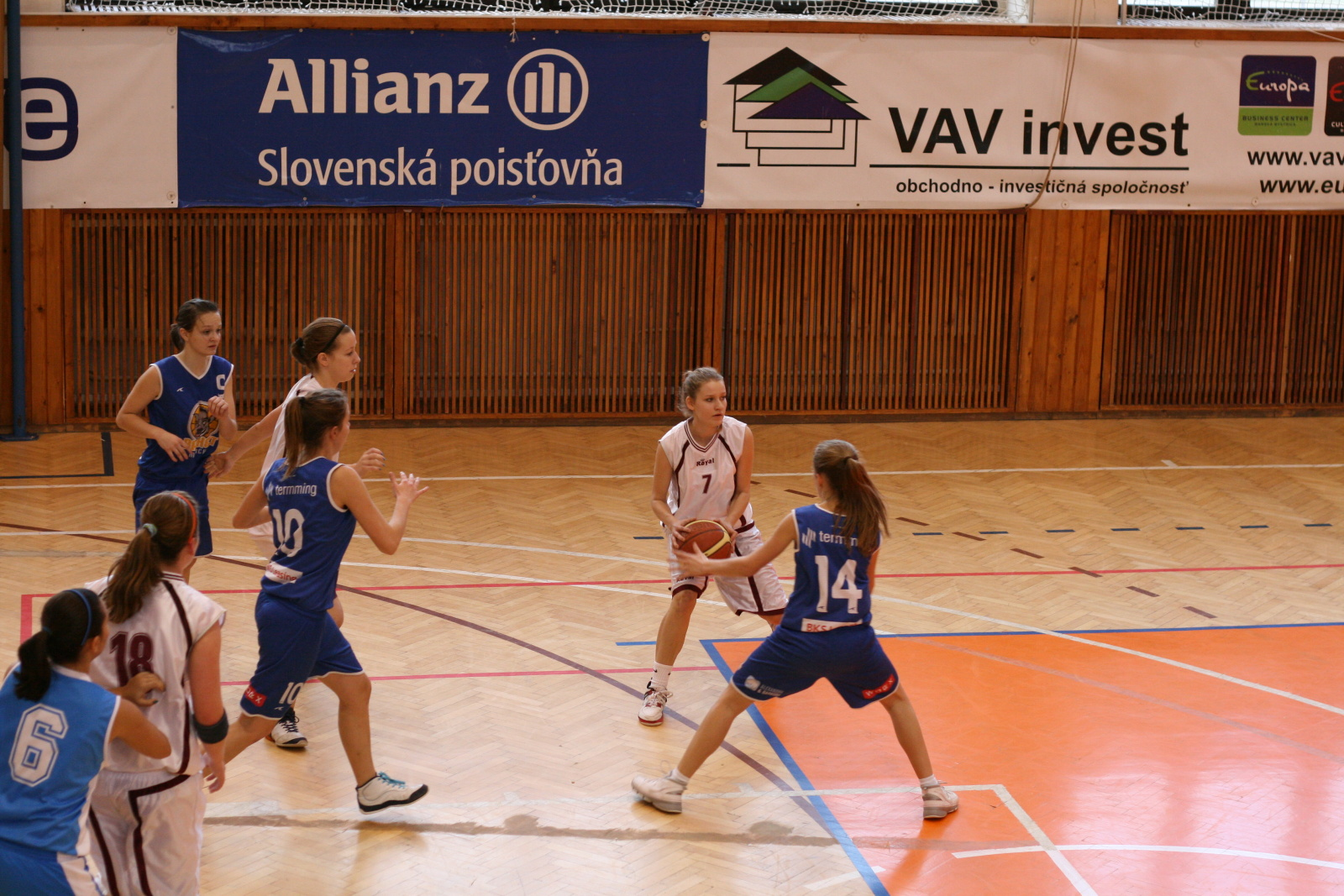 bk-zvolen-strojar-malacky-basketbal-juniorky-4