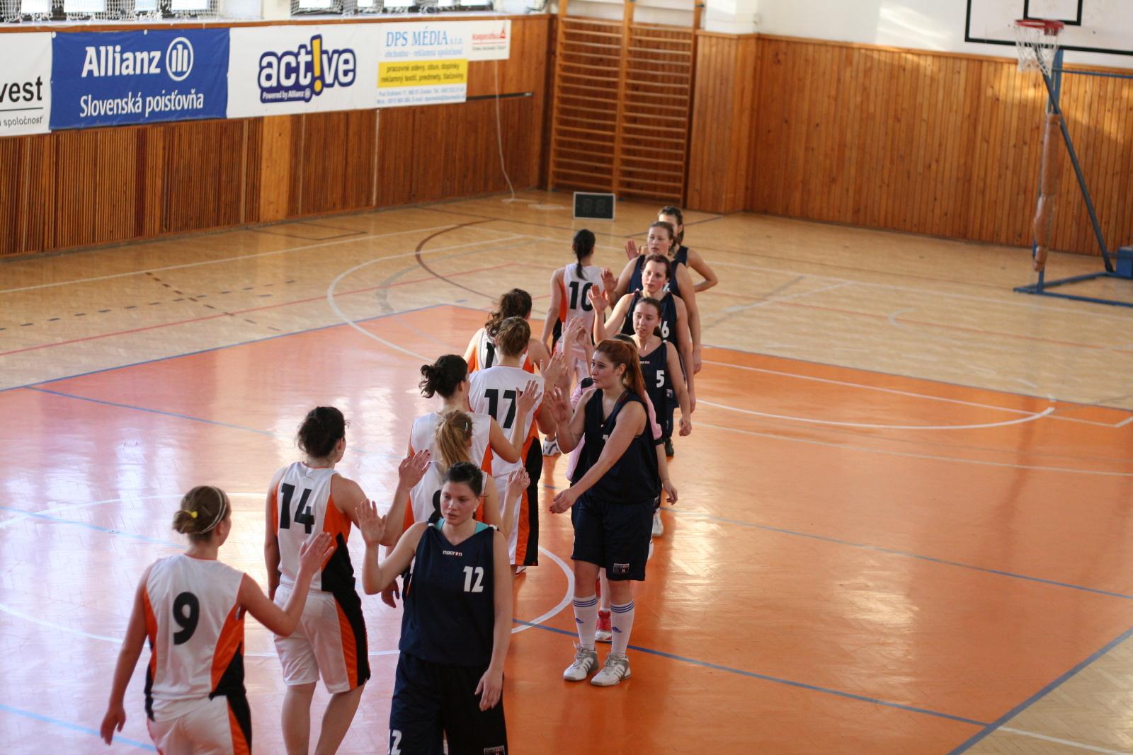 bk-zs-zvolen-bk-ask-slavia-trnava-basketbal-zeny-11