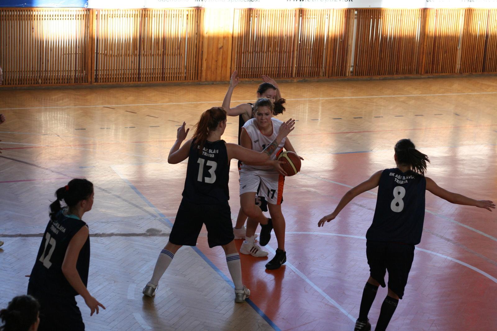 bk-zs-zvolen-bk-ask-slavia-trnava-basketbal-zeny-6