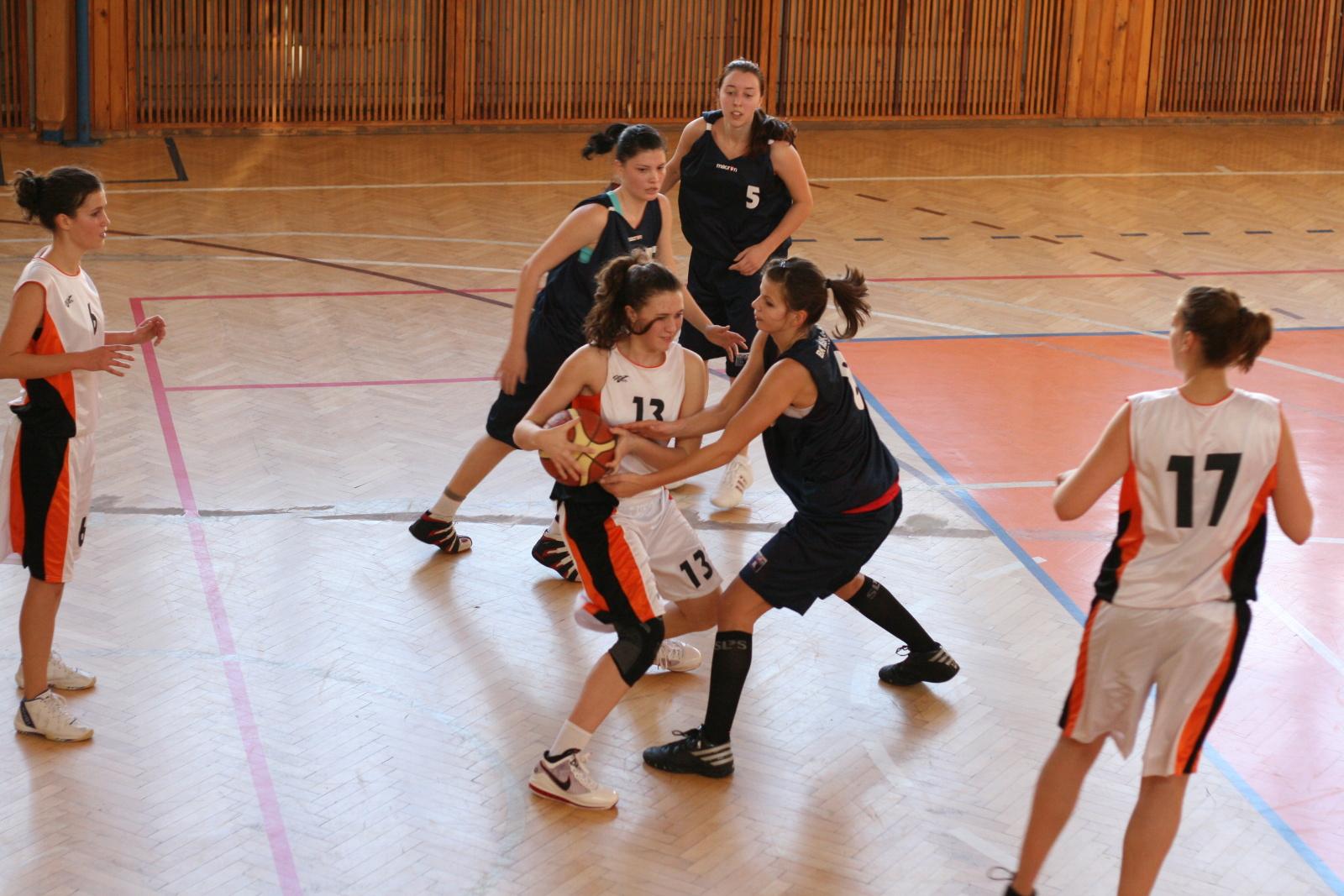 bk-zs-zvolen-bk-ask-slavia-trnava-basketbal-zeny-9