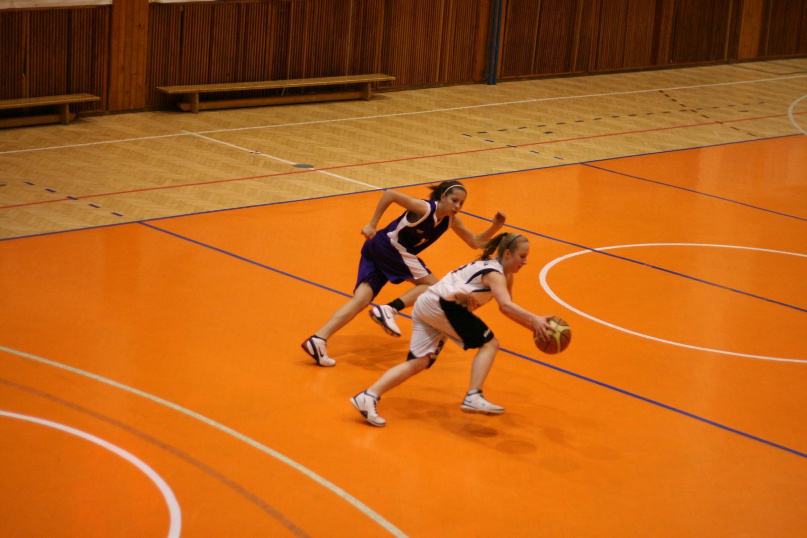 bk-zs-zvolen-mbk-stara-tura-basketbal-kadetky-7