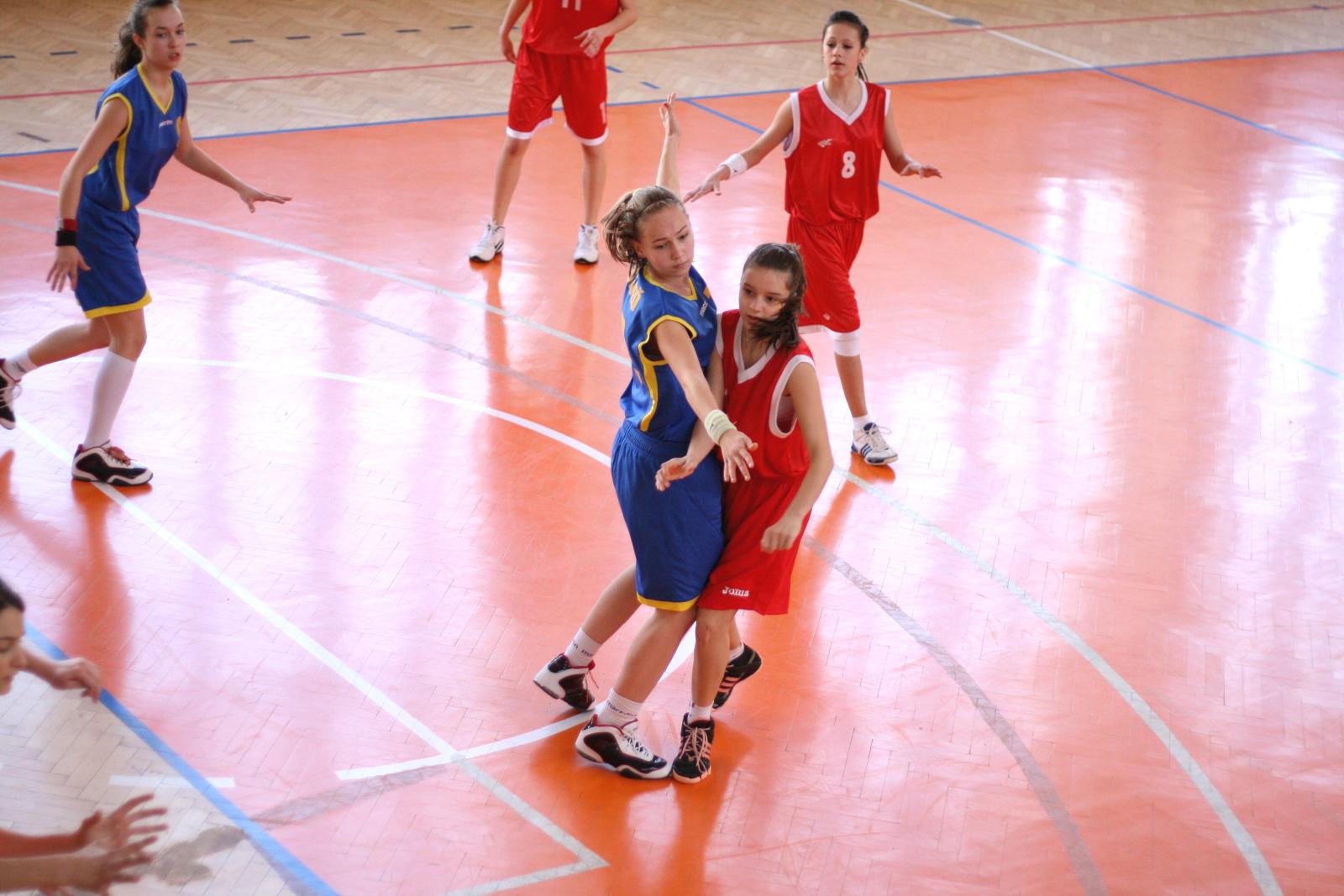 bk-zs-zvolen-bkz-lokomotiva-sered-basketbal-kadetky-12