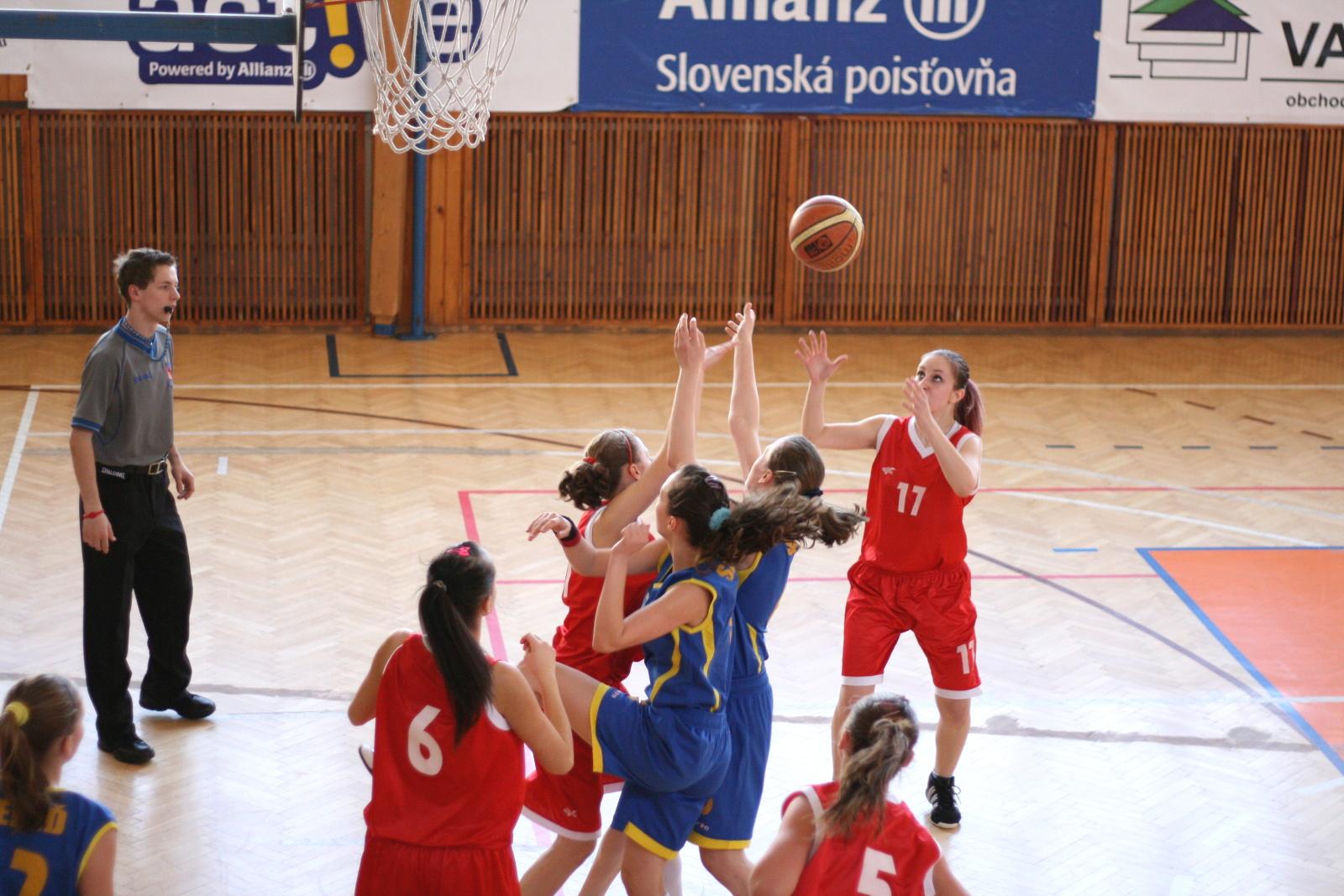 bk-zs-zvolen-bkz-lokomotiva-sered-basketbal-kadetky-2