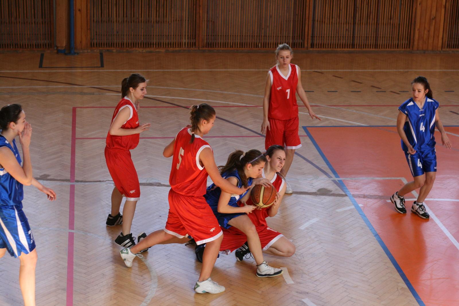 bk-zs-zvolen-klokani-ivanka-pri-dunaji-basketbal-kadetky-3