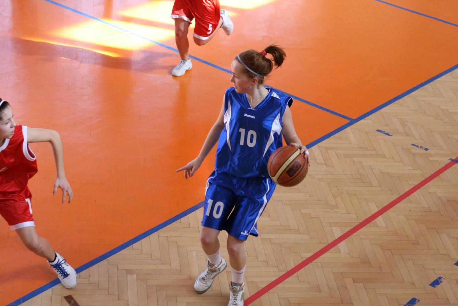 bk-zs-zvolen-klokani-ivanka-pri-dunaji-basketbal-kadetky-9