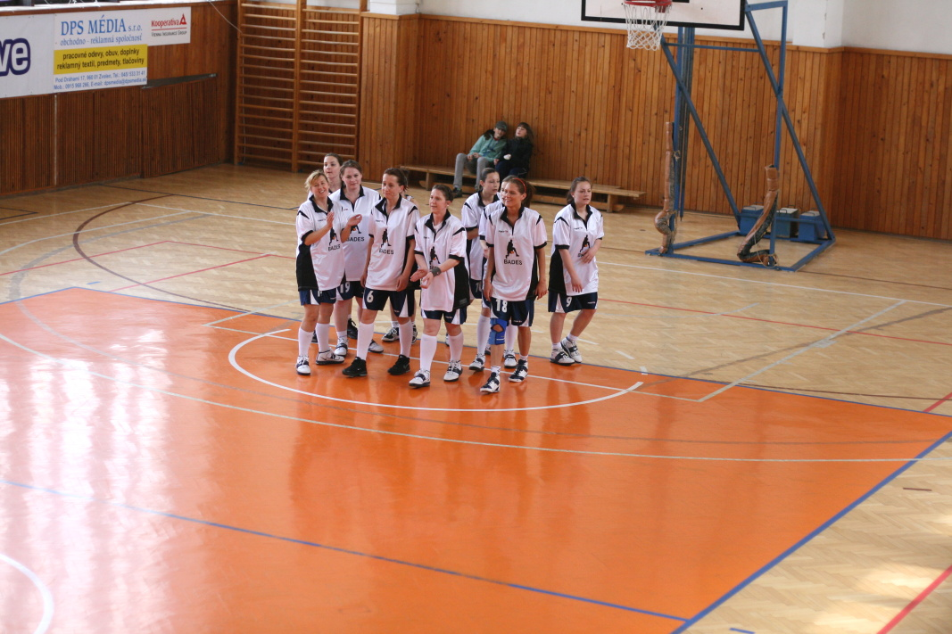 bk-zs-zvolen-bkz-lokomotiva-sered-juniorky-basketbal