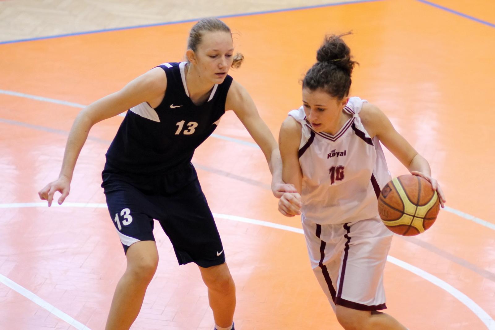 bk-zvolen-petrzalka-basketbal-juniorky-2011-3