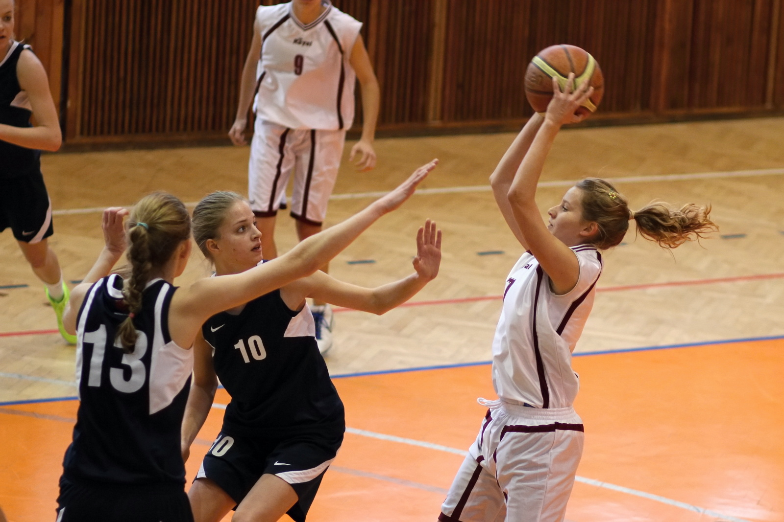bk-zvolen-petrzalka-basketbal-juniorky-2011-5