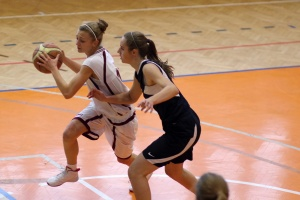 bk-zvolen-petrzalka-basketbal-juniorky-2011