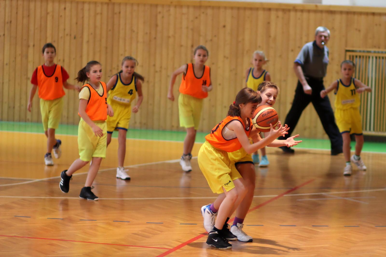 zvolen-banska-bystrica-basketbal-mini-ziacky-1
