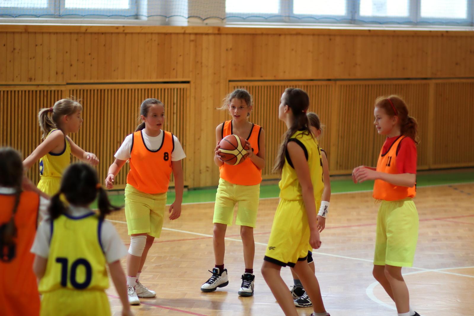 zvolen-banska-bystrica-basketbal-mini-ziacky-10