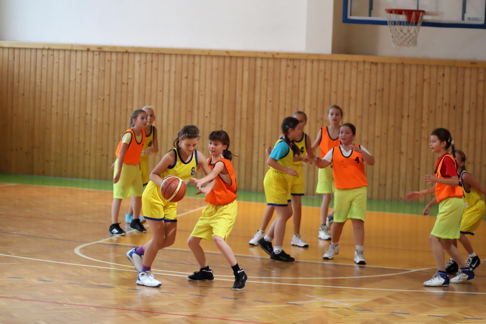 zvolen-banska-bystrica-basketbal-mini-ziacky-7