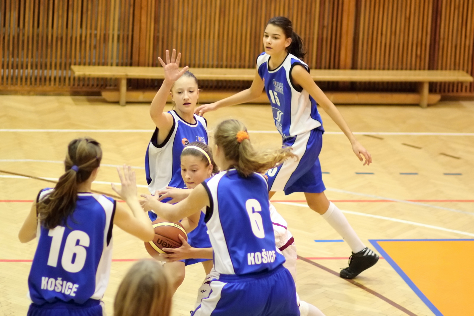 bk-zvolen-abovia-kosice-ziacky-basketbal-2011-20