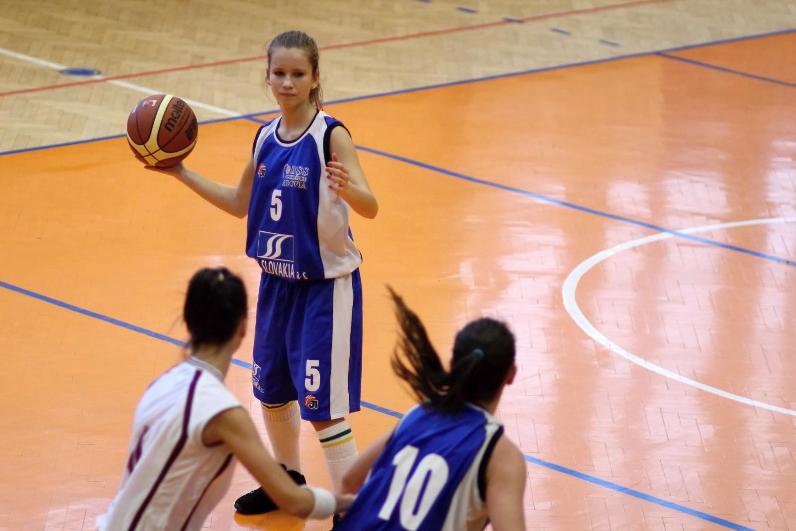 bk-zvolen-abovia-kosice-ziacky-basketbal-2011-6