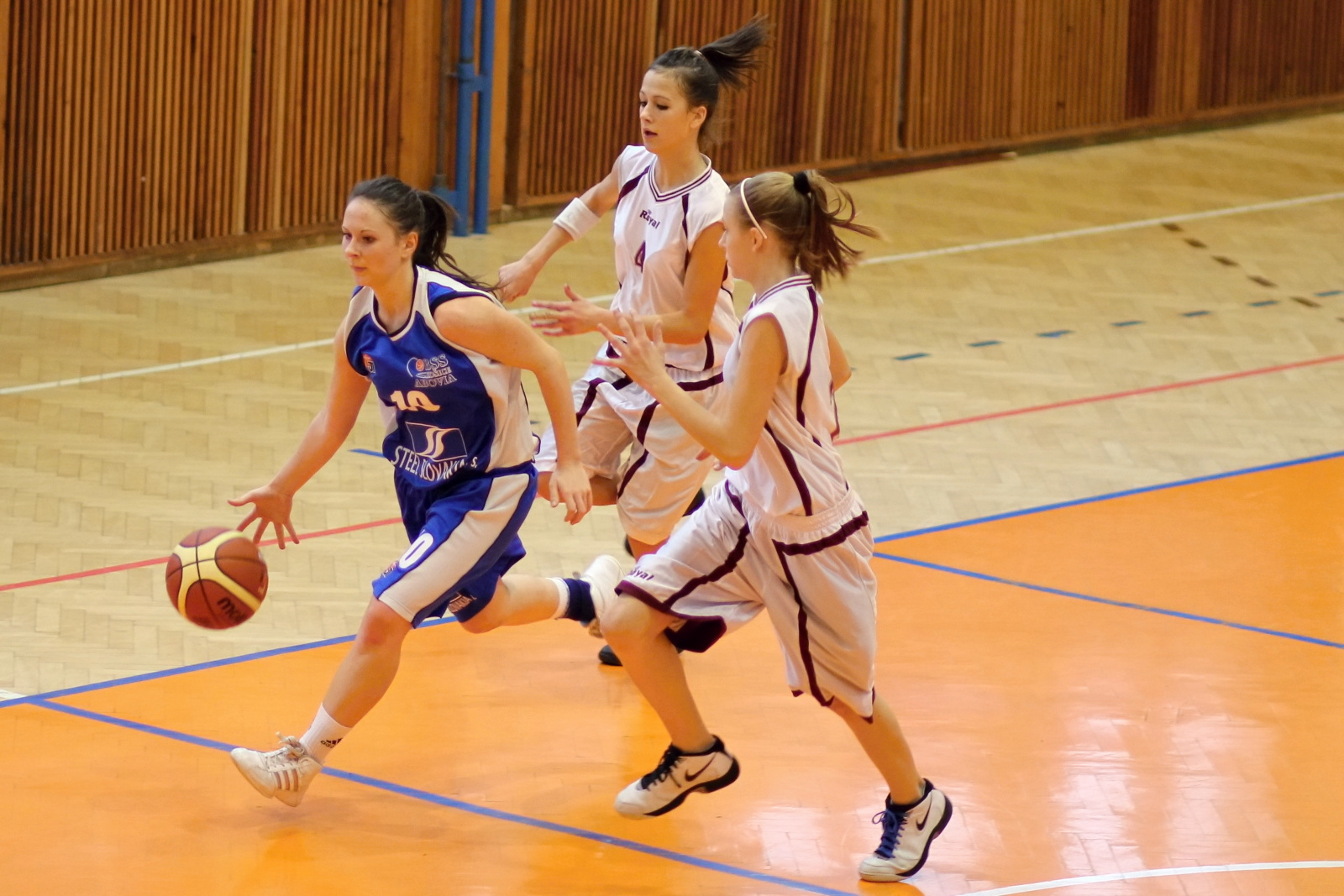 bk-zvolen-abovia-kosice-ziacky-basketbal-2011-8