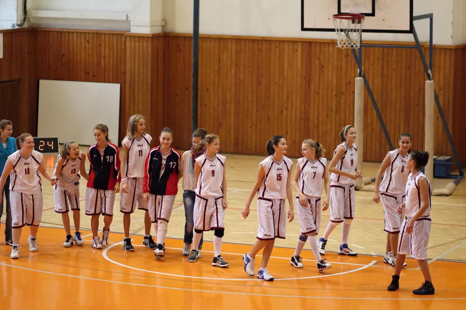 bk-zvolen-tydam-kosice-ziacky-basketbal-2011