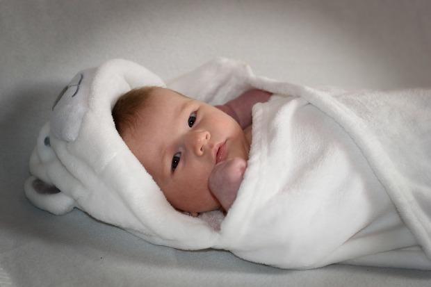 novorodenec-ilu