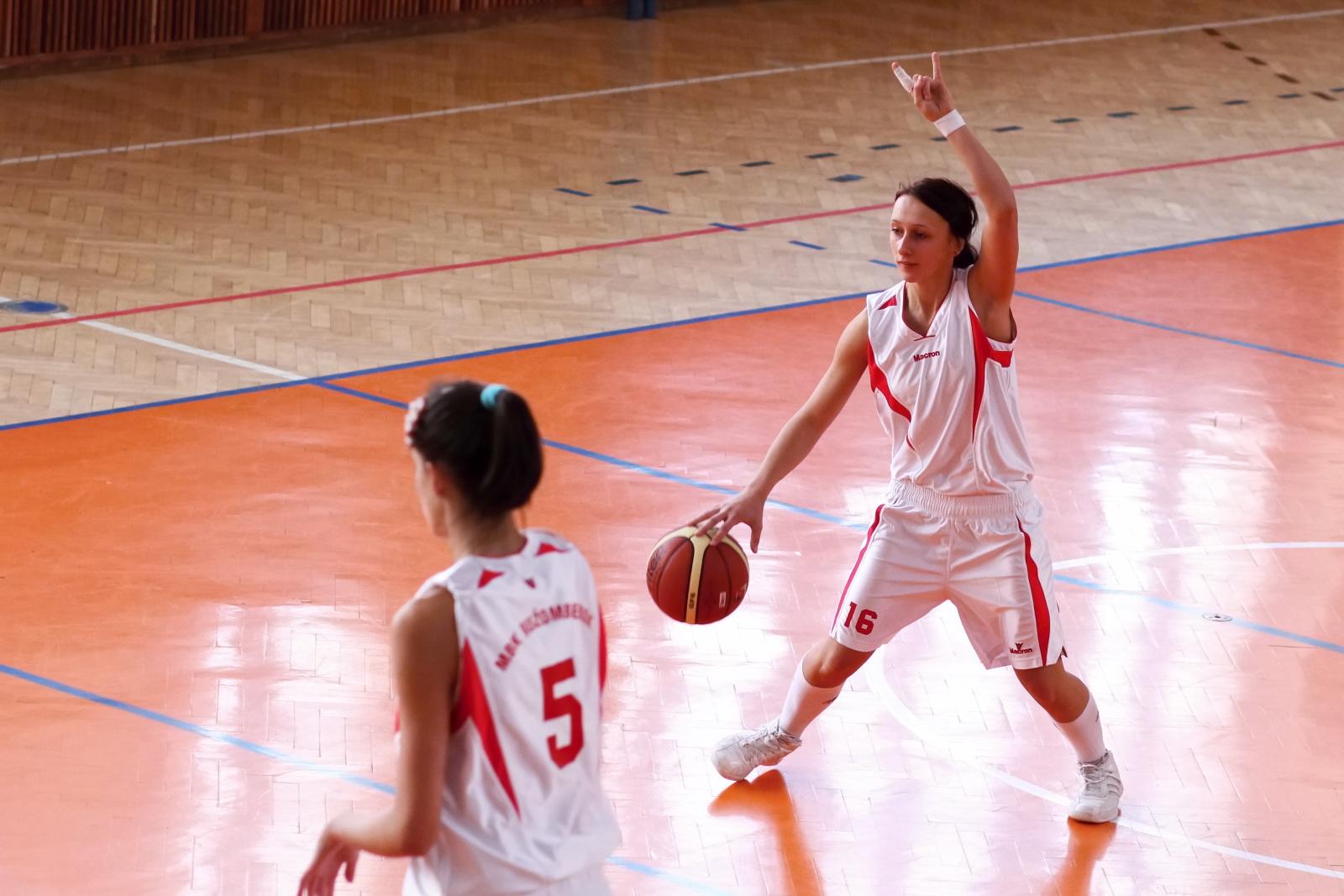 bk-zvolen-mbk-ruzomberok-juniorky-basketbal-3