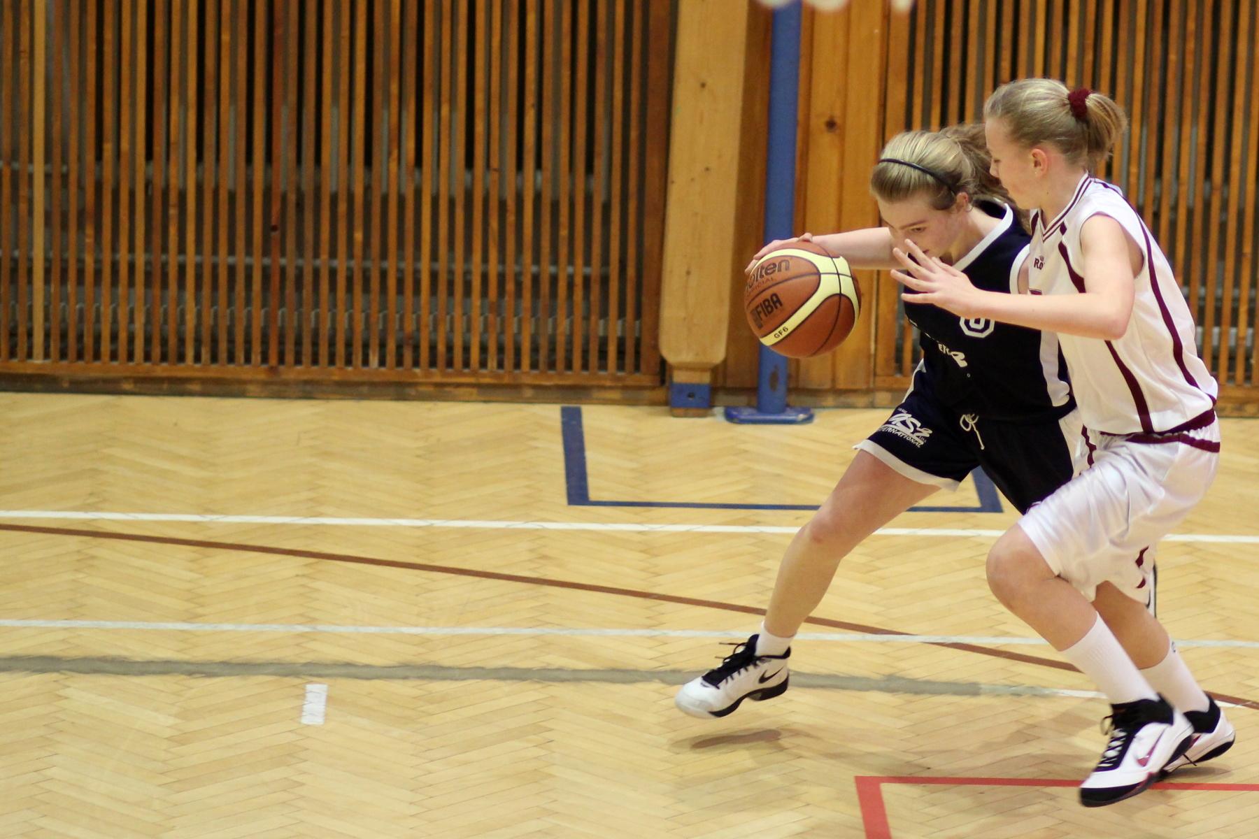 bk-zvolen-bk-petrzalka-ziacky-basketbal-11