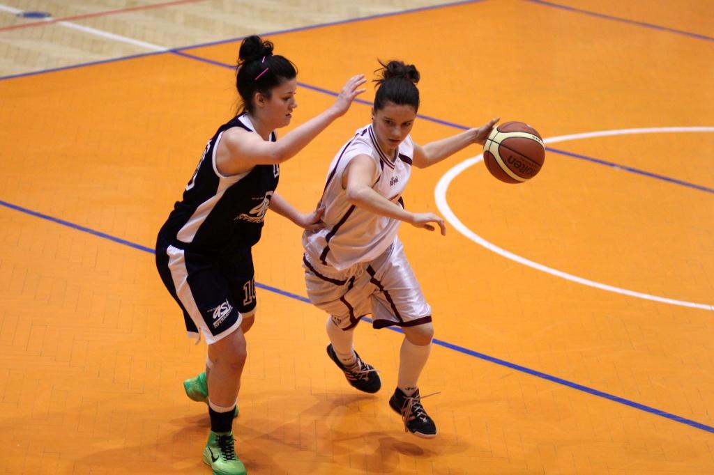 bk-zvolen-bk-petrzalka-ziacky-basketbal-15