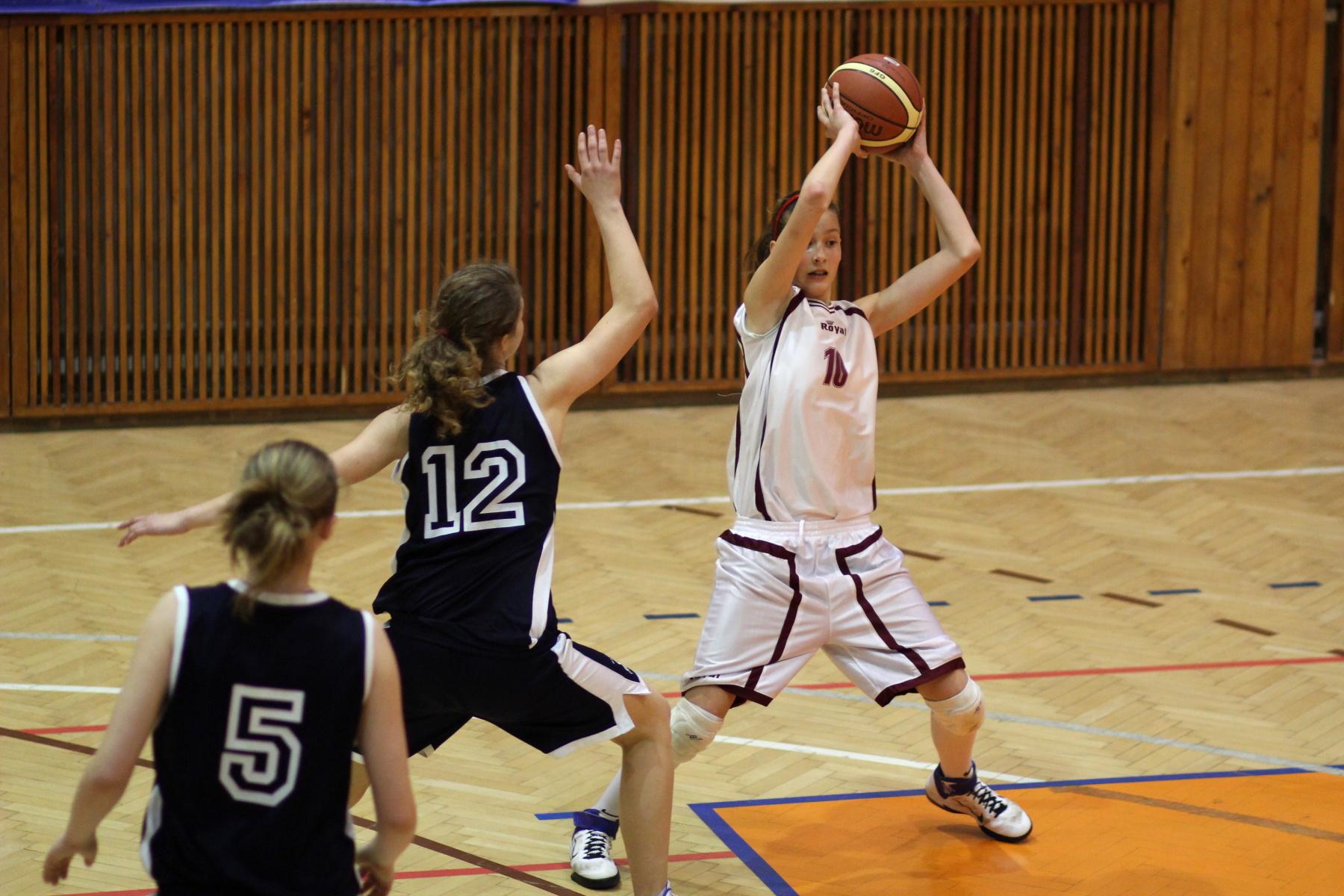 bk-zvolen-bk-petrzalka-ziacky-basketbal-18