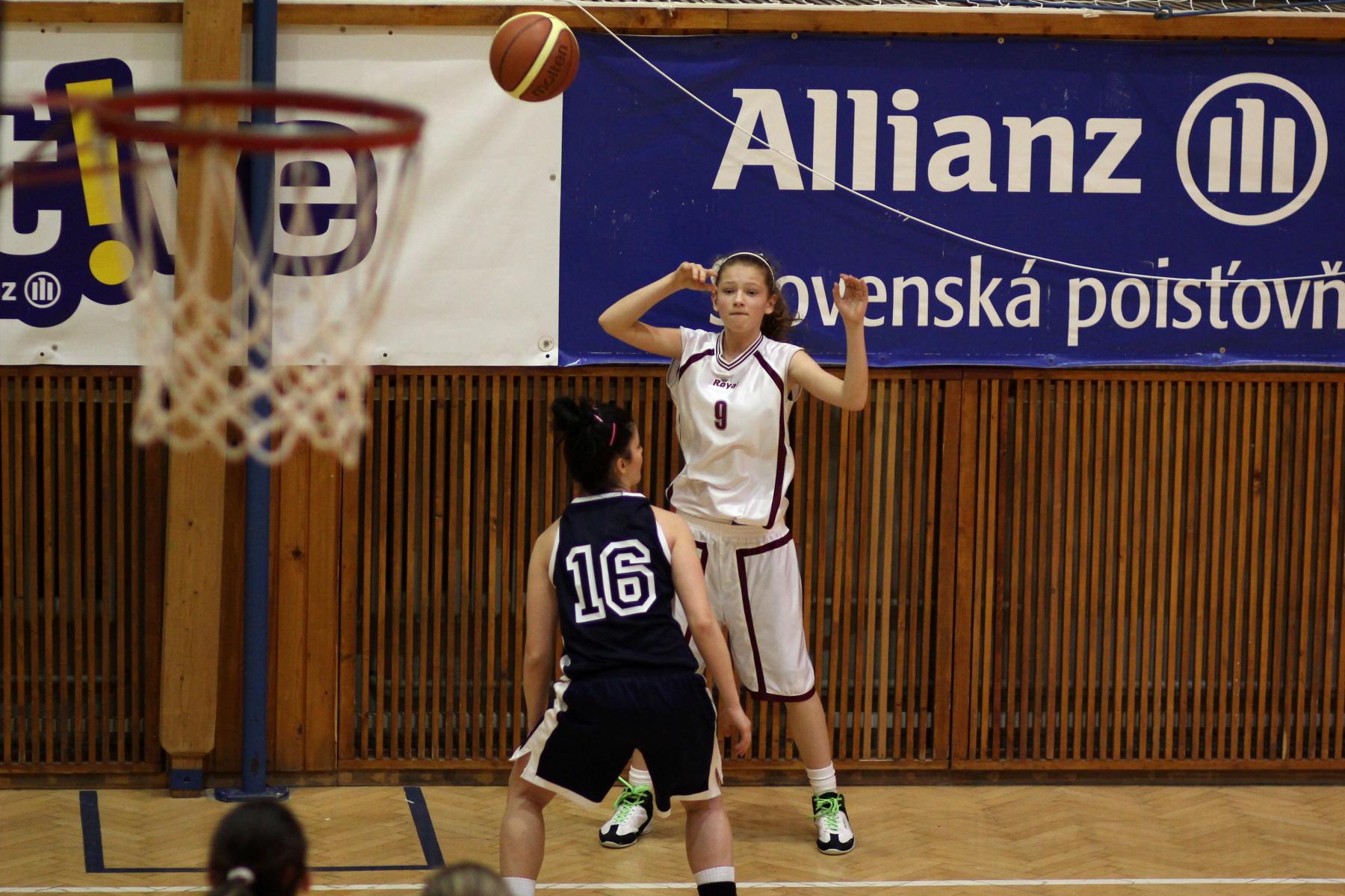 bk-zvolen-bk-petrzalka-ziacky-basketbal-19