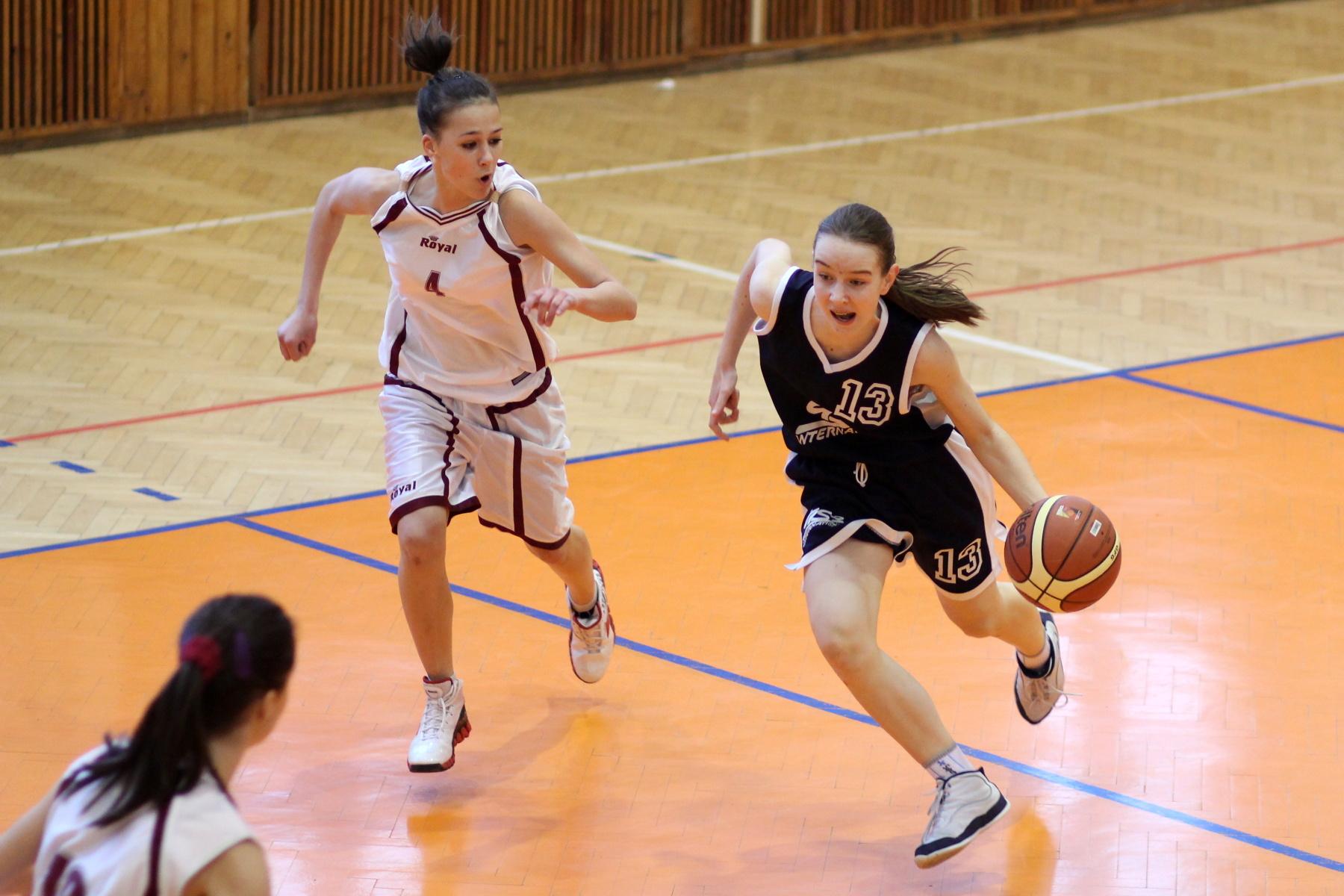 bk-zvolen-bk-petrzalka-ziacky-basketbal-2