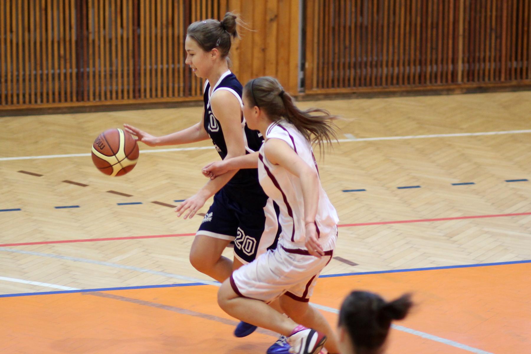 bk-zvolen-bk-petrzalka-ziacky-basketbal-5