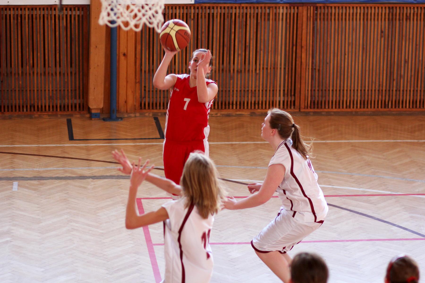 zvolen-bystrica-ziacky-basketbal-16