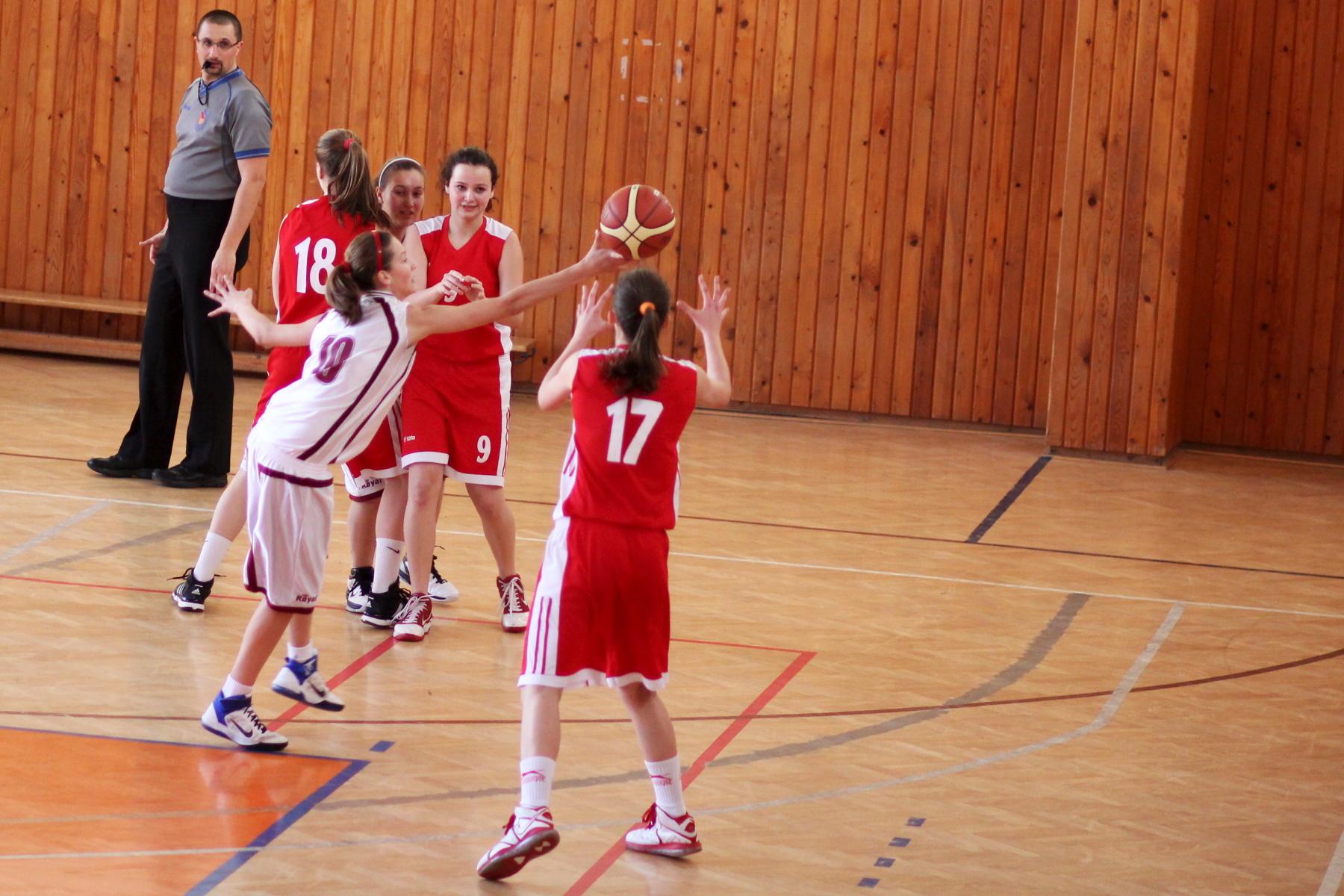 zvolen-bystrica-ziacky-basketbal-17