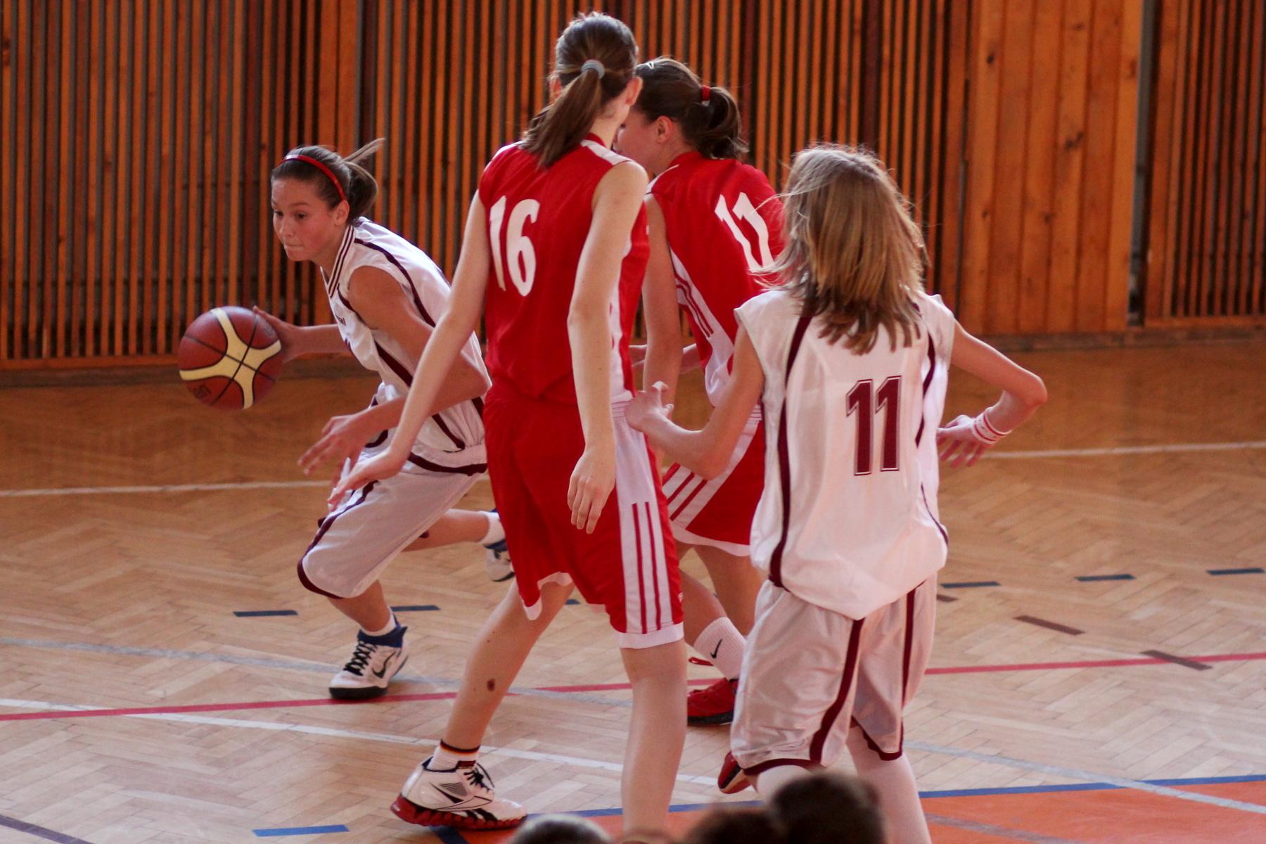 zvolen-bystrica-ziacky-basketbal-21