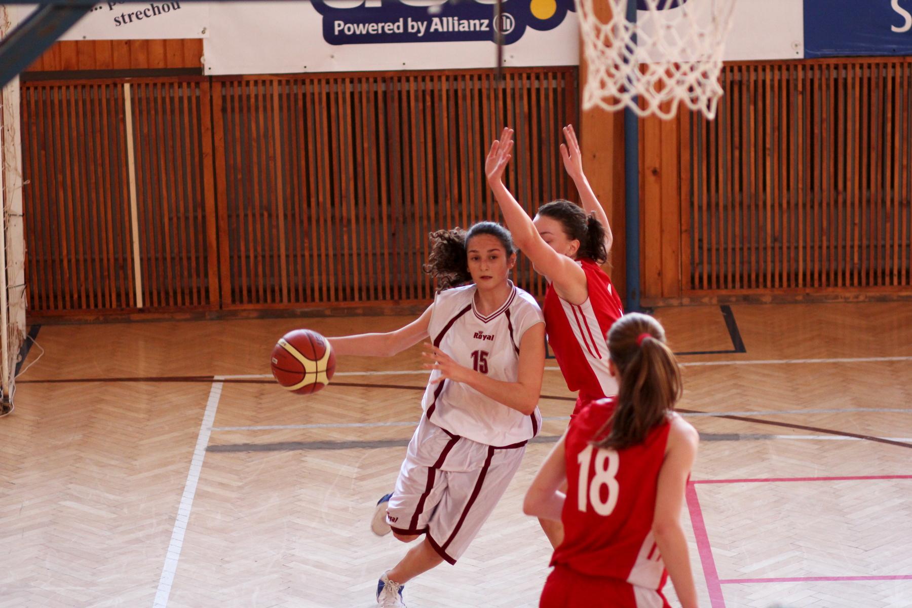 zvolen-bystrica-ziacky-basketbal-23