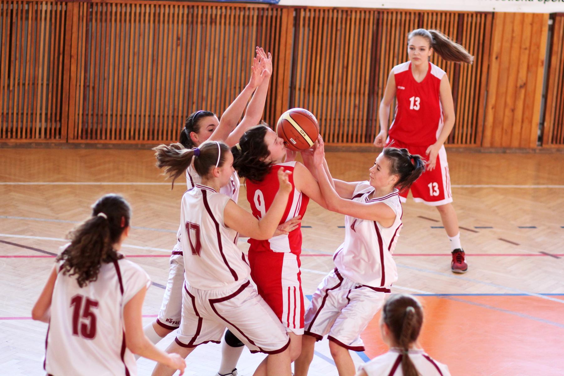 zvolen-bystrica-ziacky-basketbal-9