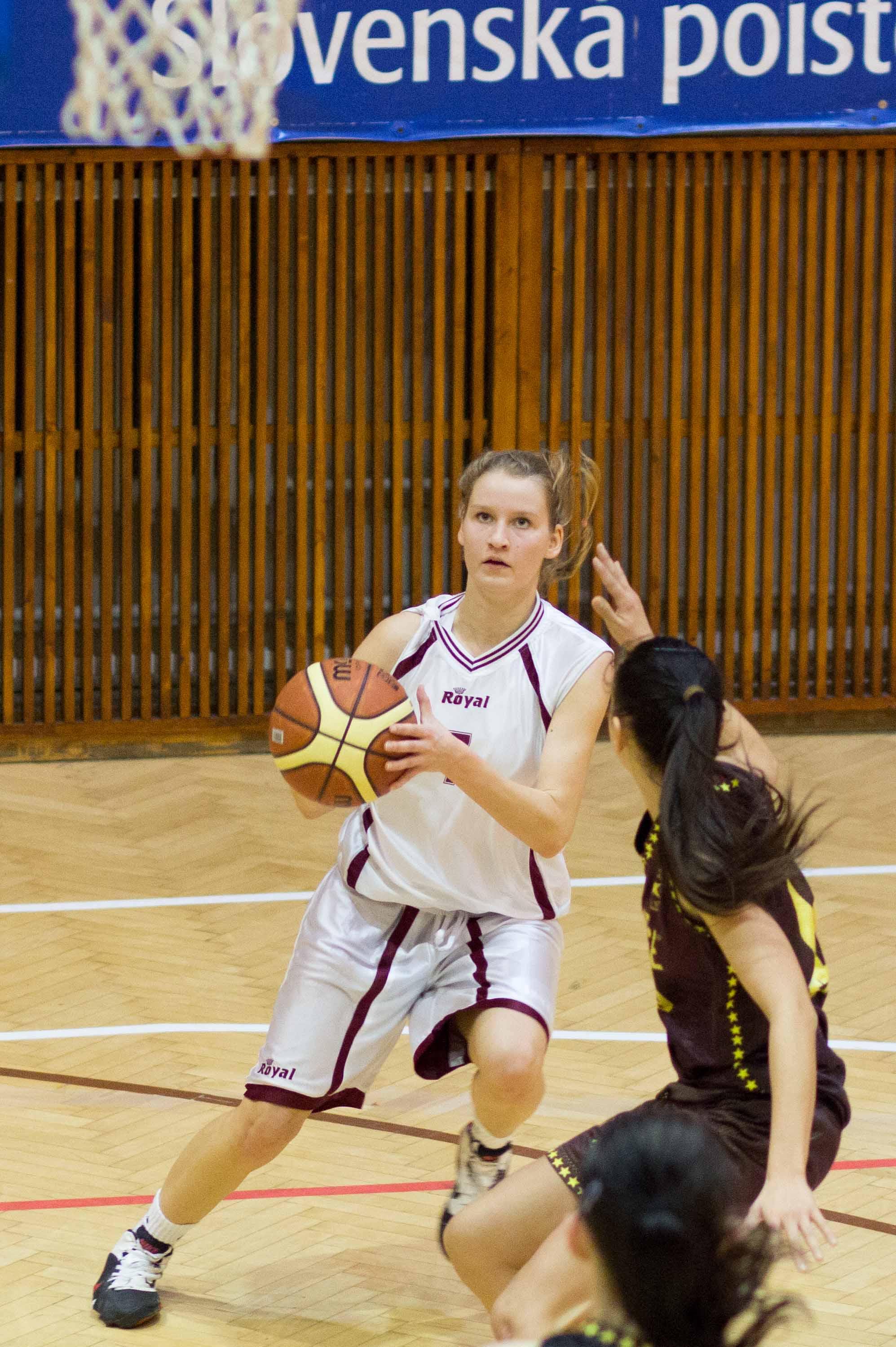 bk-zvolen-cbk-kosice-juniorky-2012-basketbal-10