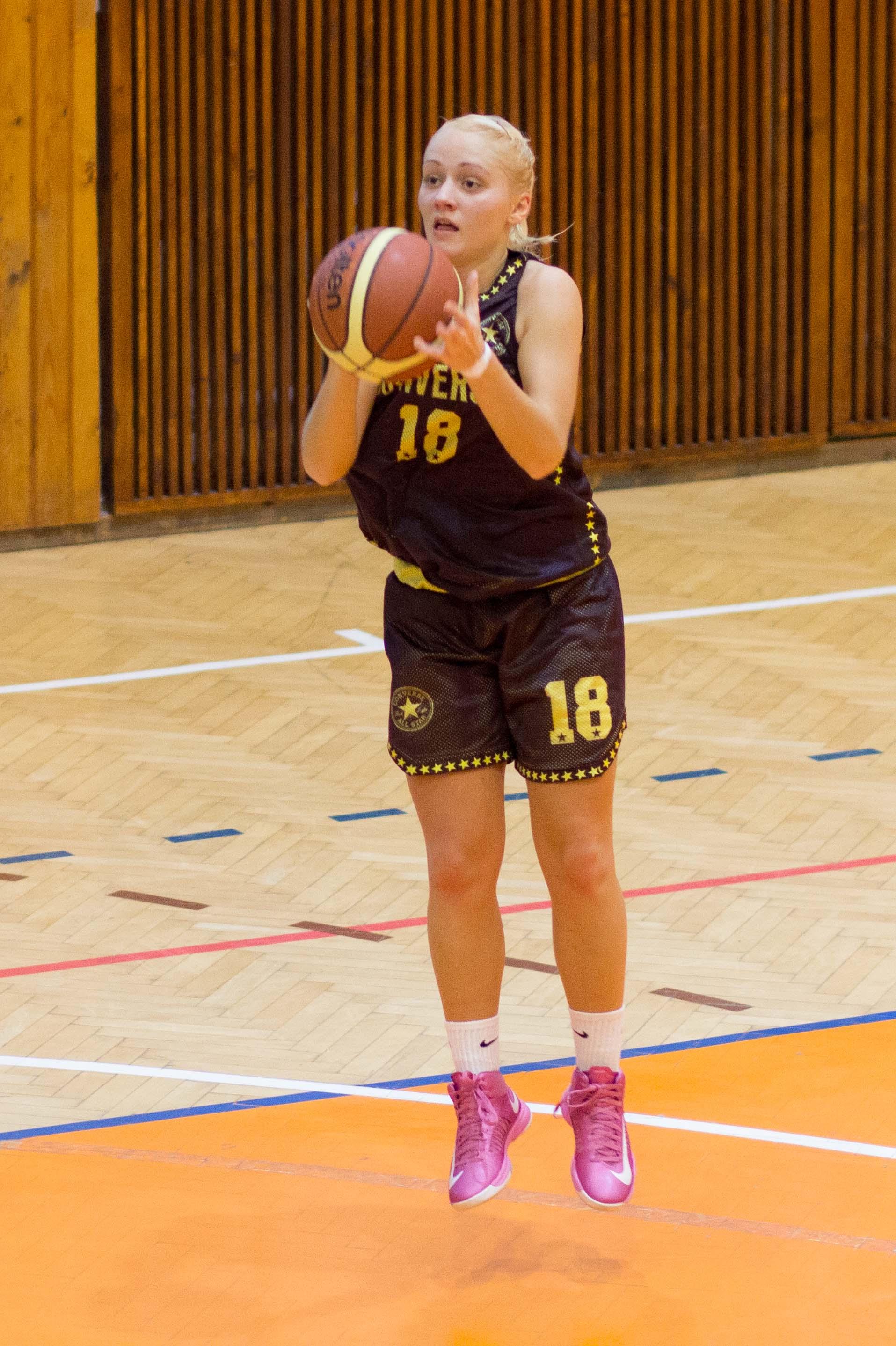 bk-zvolen-cbk-kosice-juniorky-2012-basketbal-3
