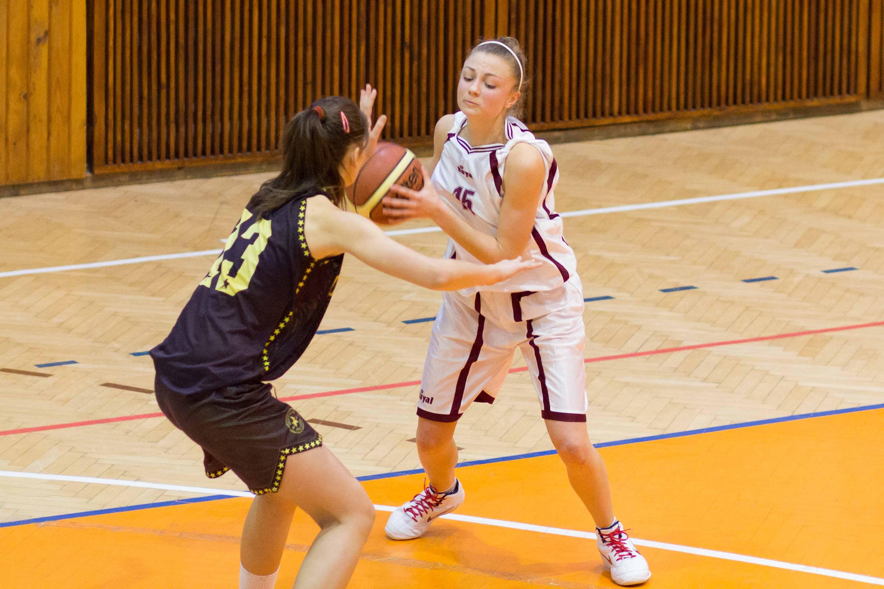 bk-zvolen-cbk-kosice-juniorky-2012-basketbal-6