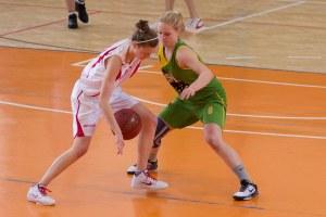 bk-zs-zvolen-mbk-stara-tura-2013-zeny-basketbal-10