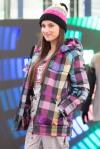 mladé dievča na predvádzacom móle