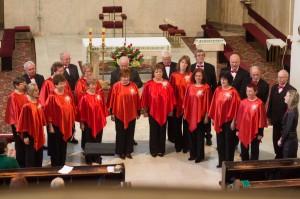 zensky spevacky zbor v cervenom